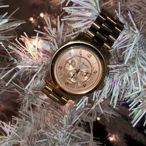 PreOwned Oversized Runway RoseGold Stainless Steel